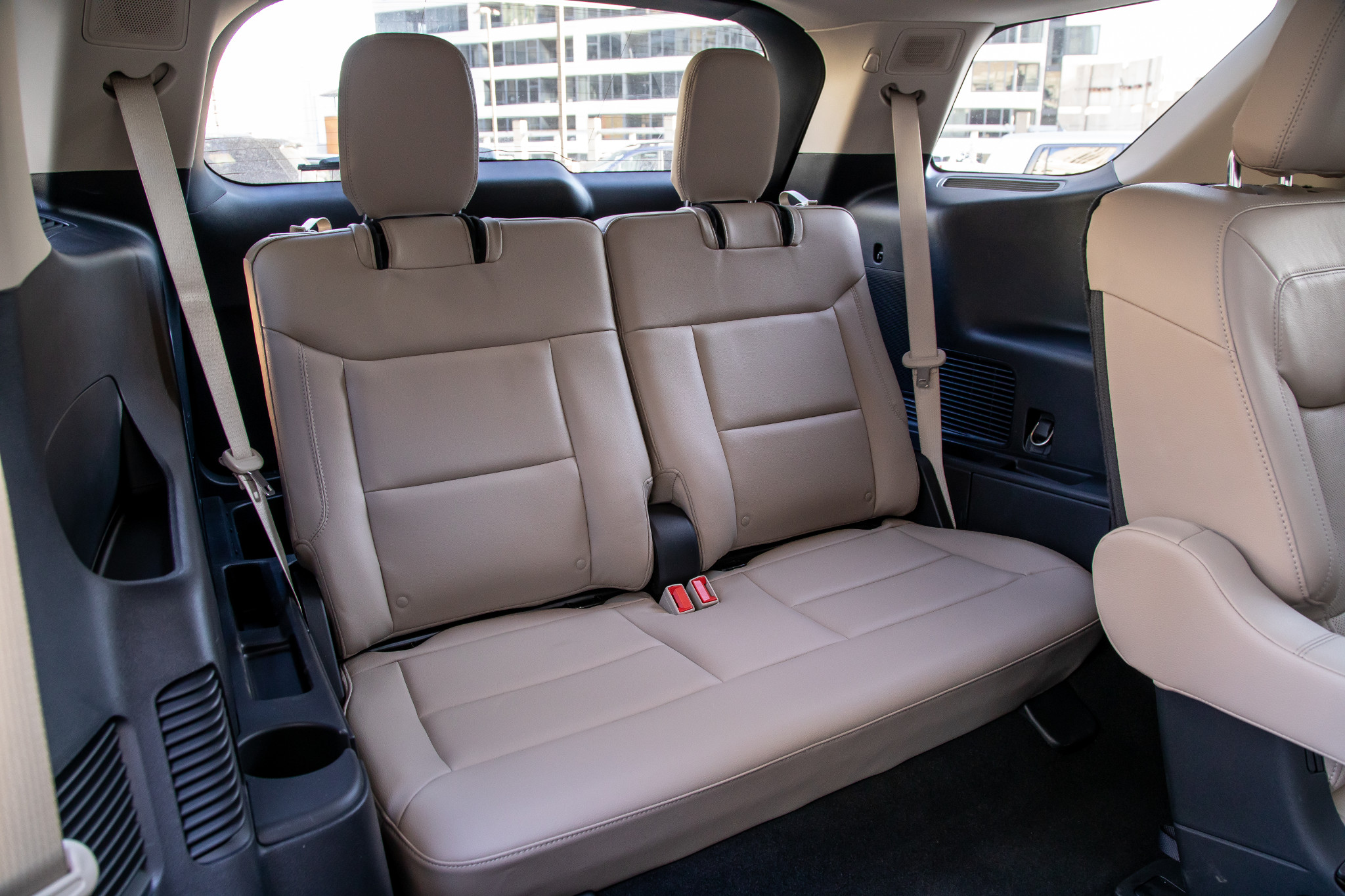 ford-explorer-limited-4wd-2020-40-interior--third-row.jpg