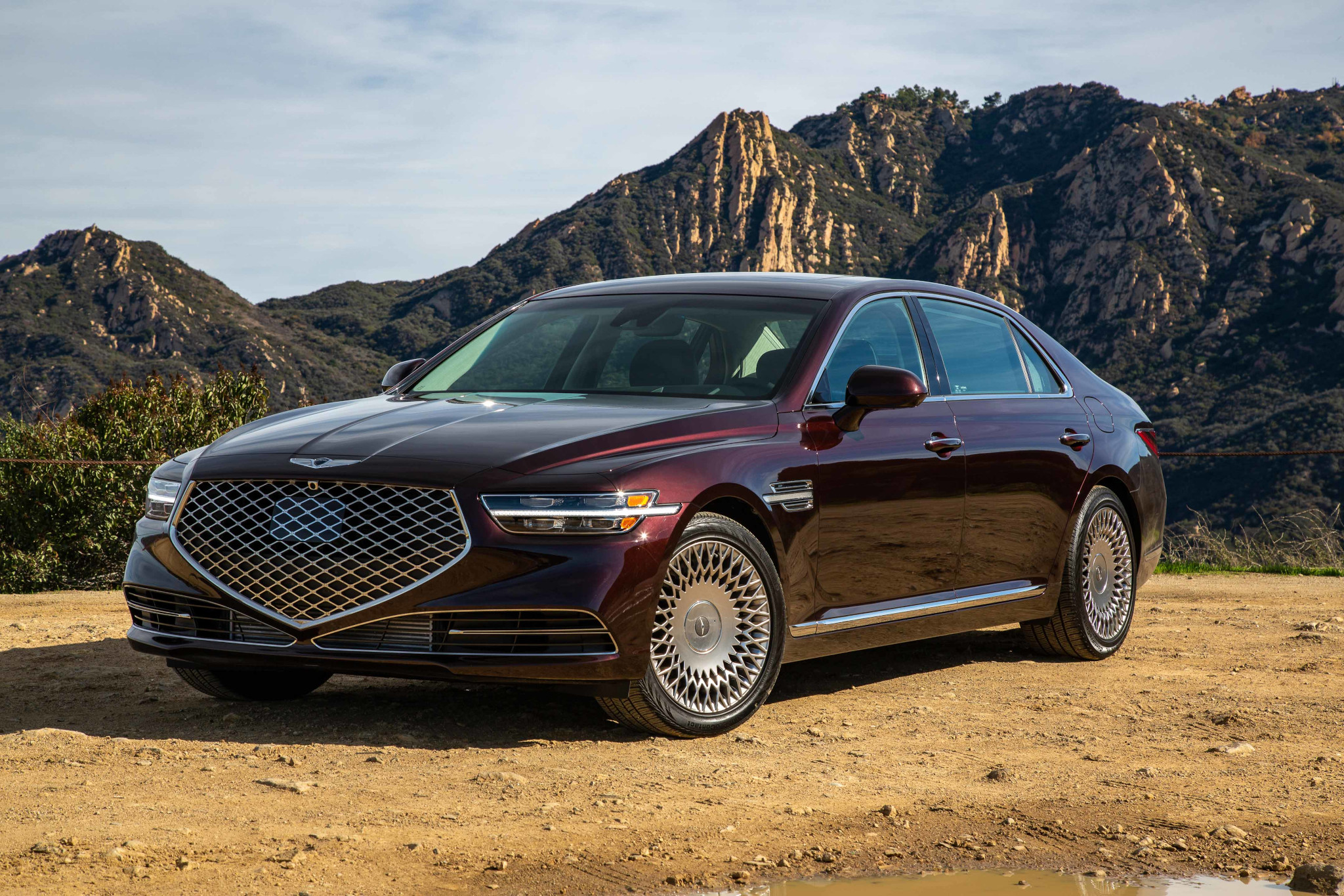 2020 Genesis G90 Review: New Face, Same Space