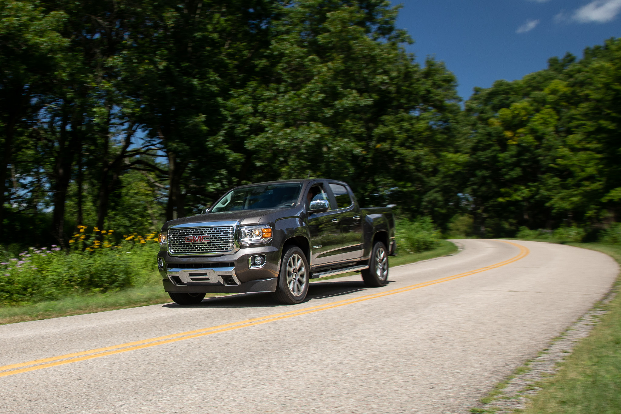 2019 GMC Canyon Review: Outclassed by Its Competitors