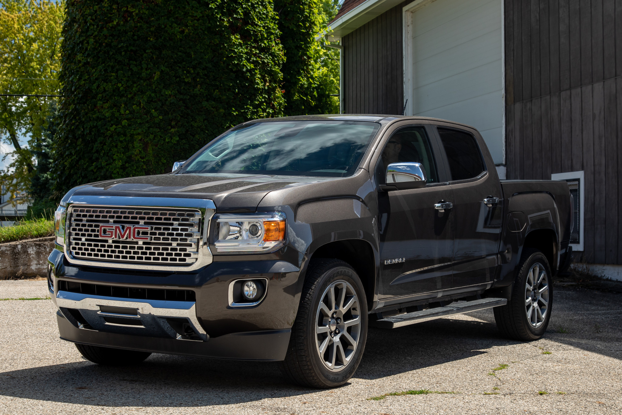 Top 5 Reviews and Videos of the Week: 2019 GMC Canyon Conquers the Outback