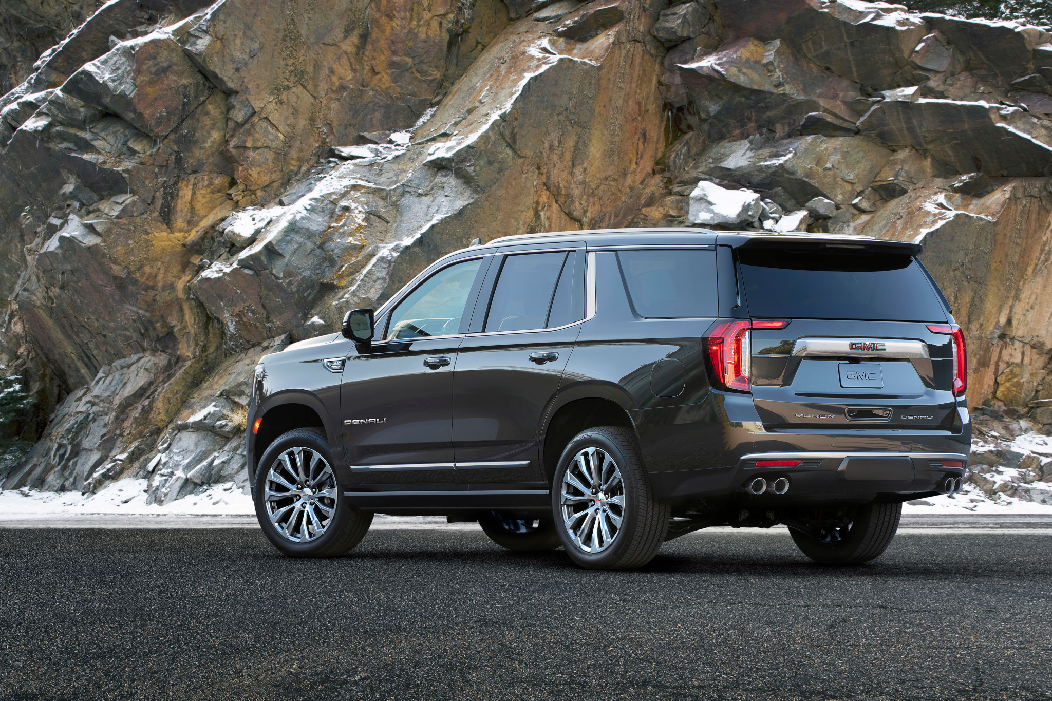 hoping the 2021 gmc yukon would boast much-improved mpg