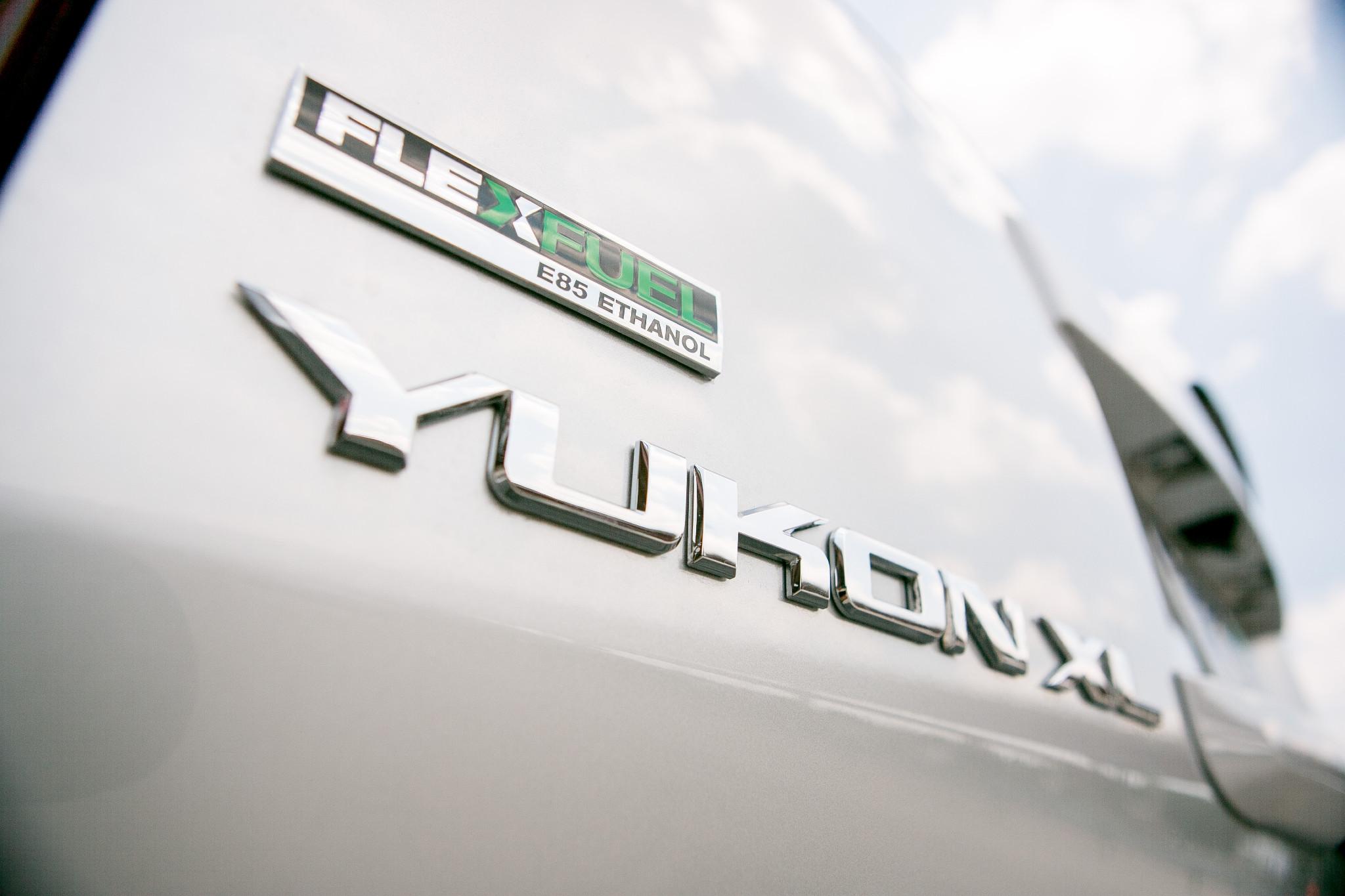Can I Put Regular Gas In An E85 Car >> What Is Flex Fuel News Cars Com
