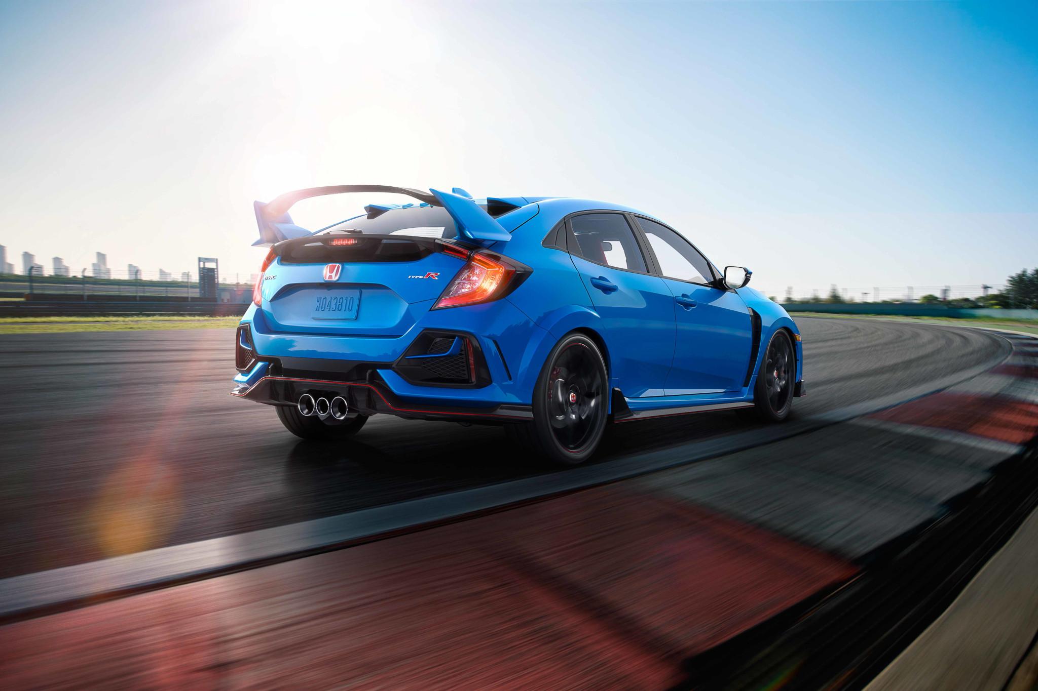 honda-civic-type-r-2020-04-angle--blue--dynamic--exterior--rear.jpg