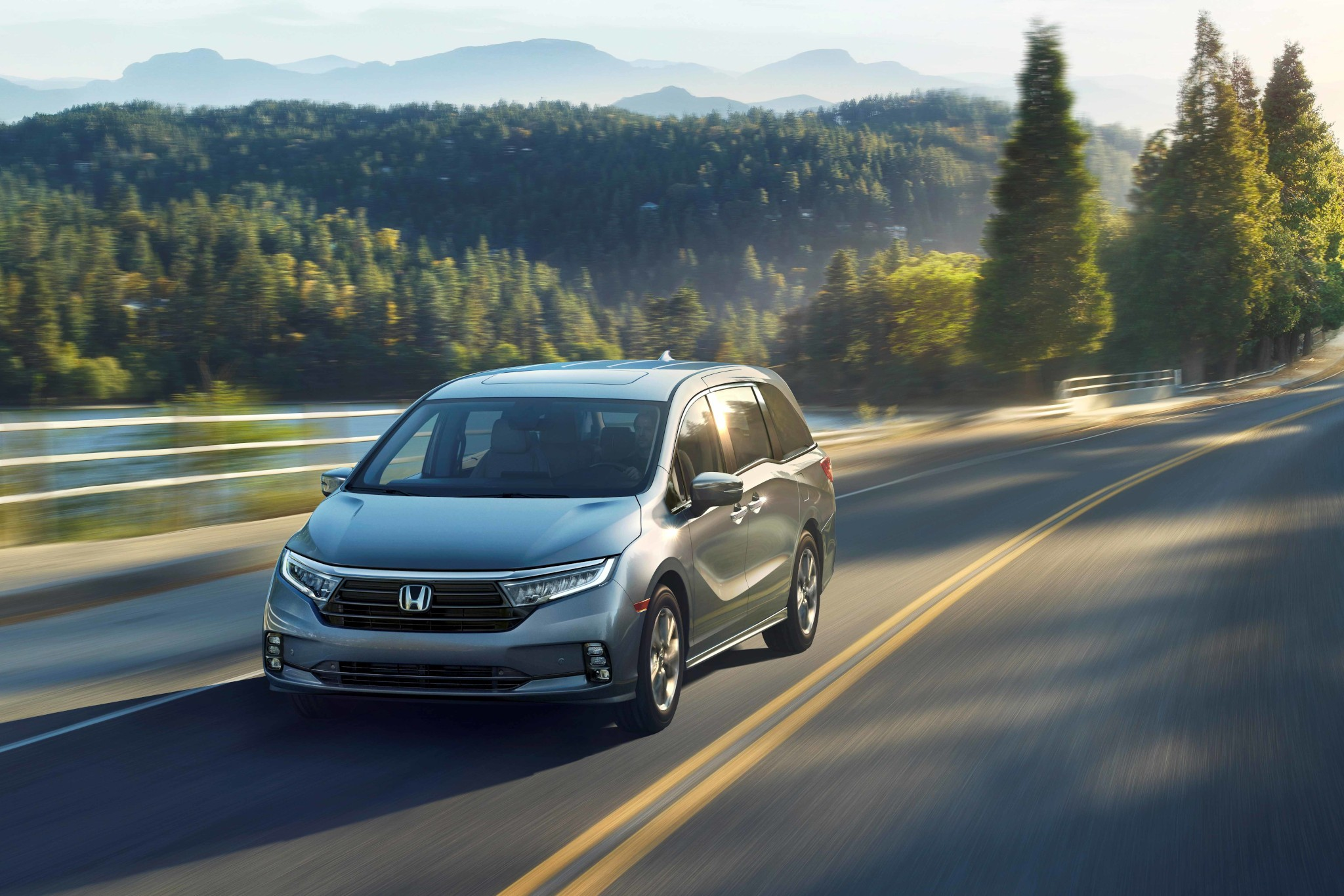 2021 Honda Odyssey: Updated Styling, Upgraded Safety ...