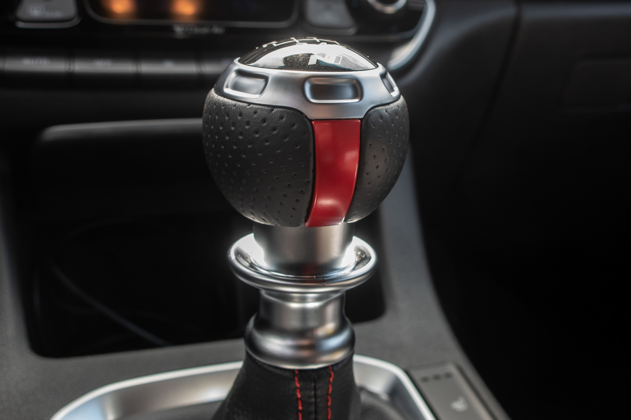 car pictures review hyundai elantra gt n line 2020 hyundai elantra gt n line 2020