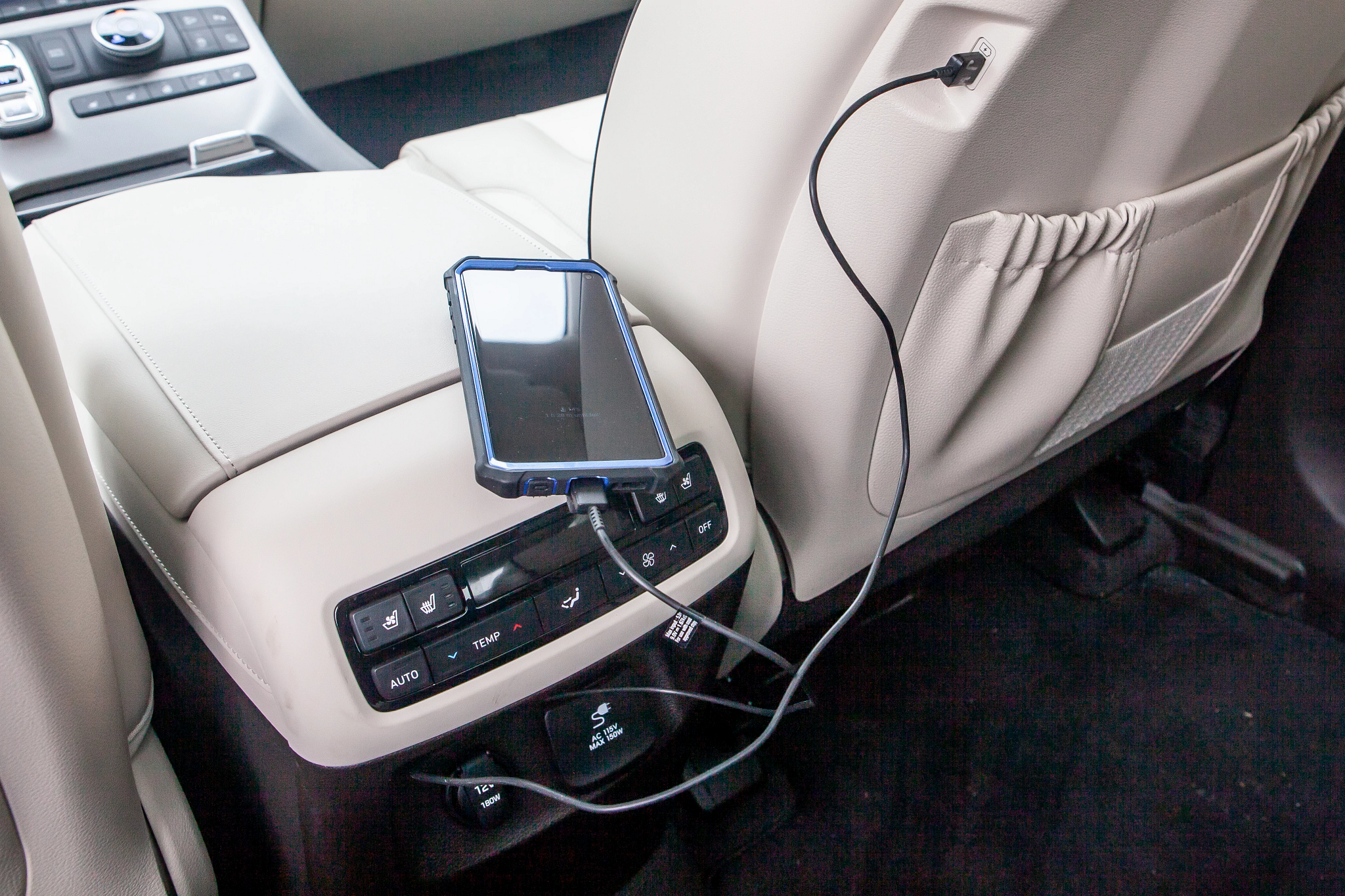 2020 Hyundai Palisade: Testing the USB Ports — and Charging Pad