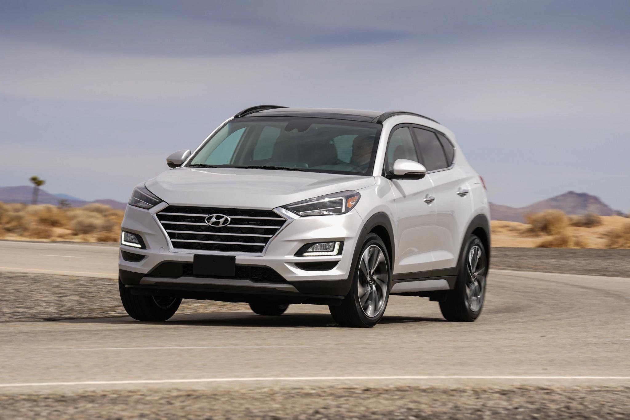 How Do Car Seats Fit in a 2020 Hyundai Tucson?