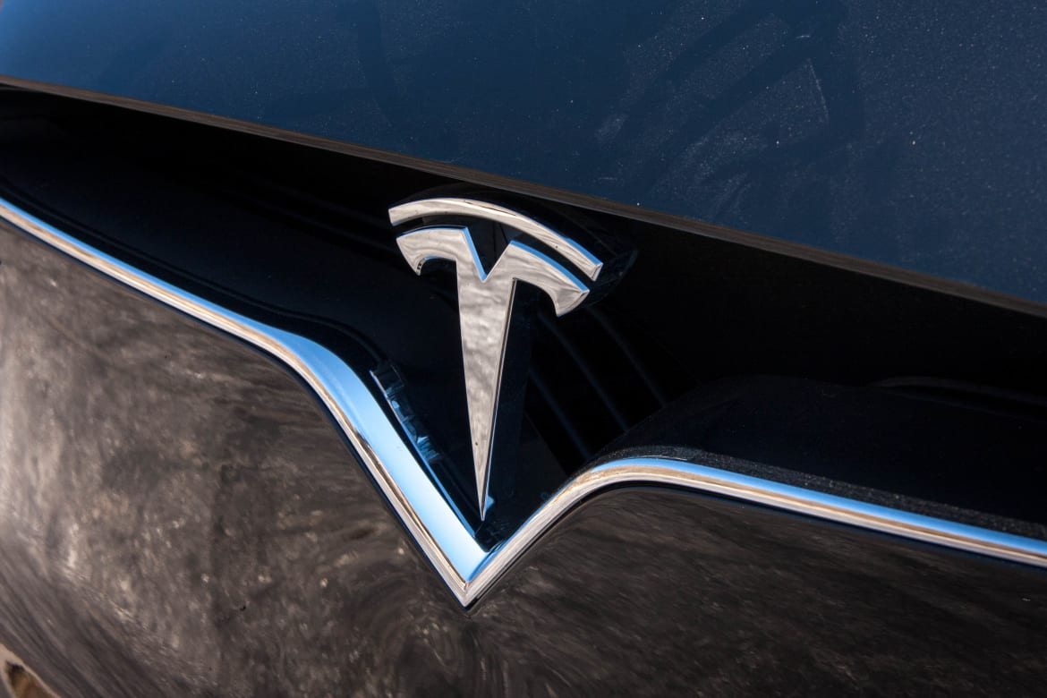 The Week in Tesla News: Labor Pains, $30B Image Problem and Rivals' Recalls