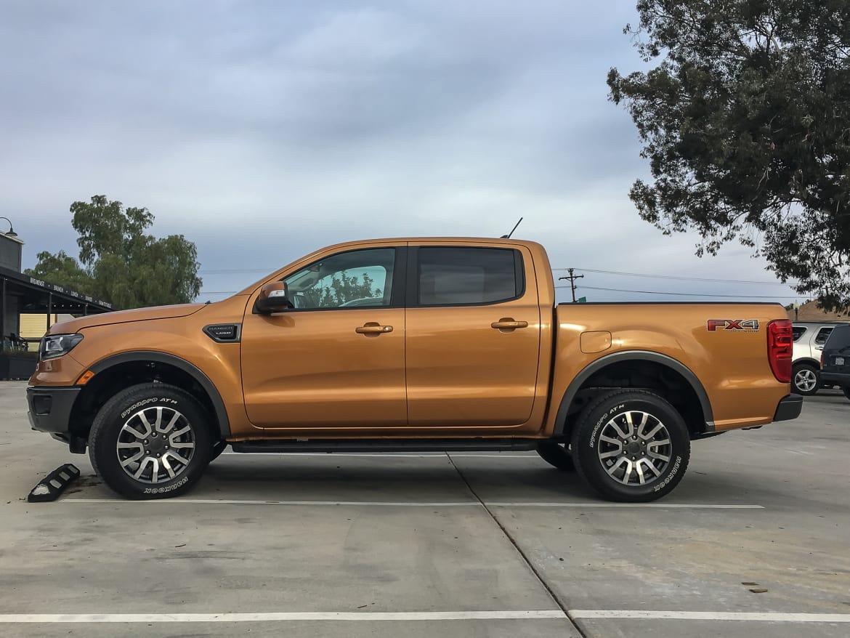 03-ford-ranger-2019-exterior--orange--profile.jpg