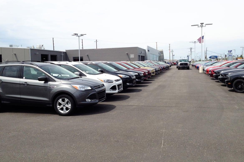 Ford_dealer_KM.jpg