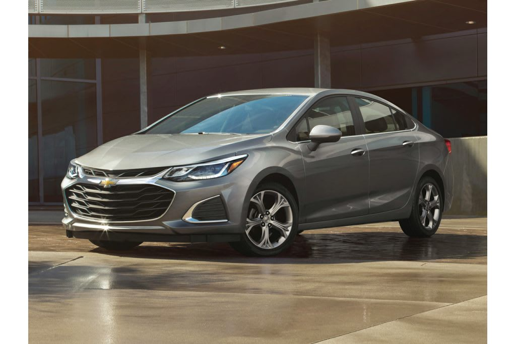 2019 Chevrolet Cruze What S Changed News Cars Com