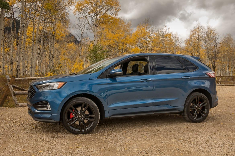 ford edge st mashes  performance  practicality news carscom