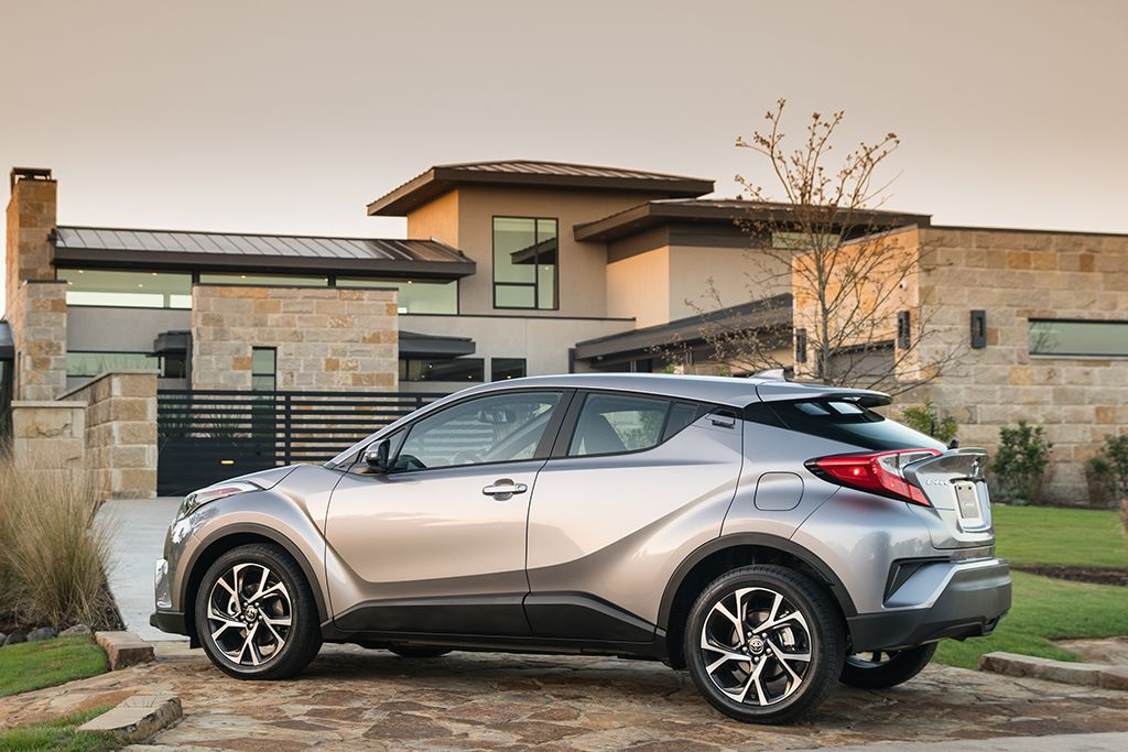 2019 Toyota C-HR: Design, Specs, Price >> 2019 Toyota C Hr Gets Price Cut Apple Carplay Bigger