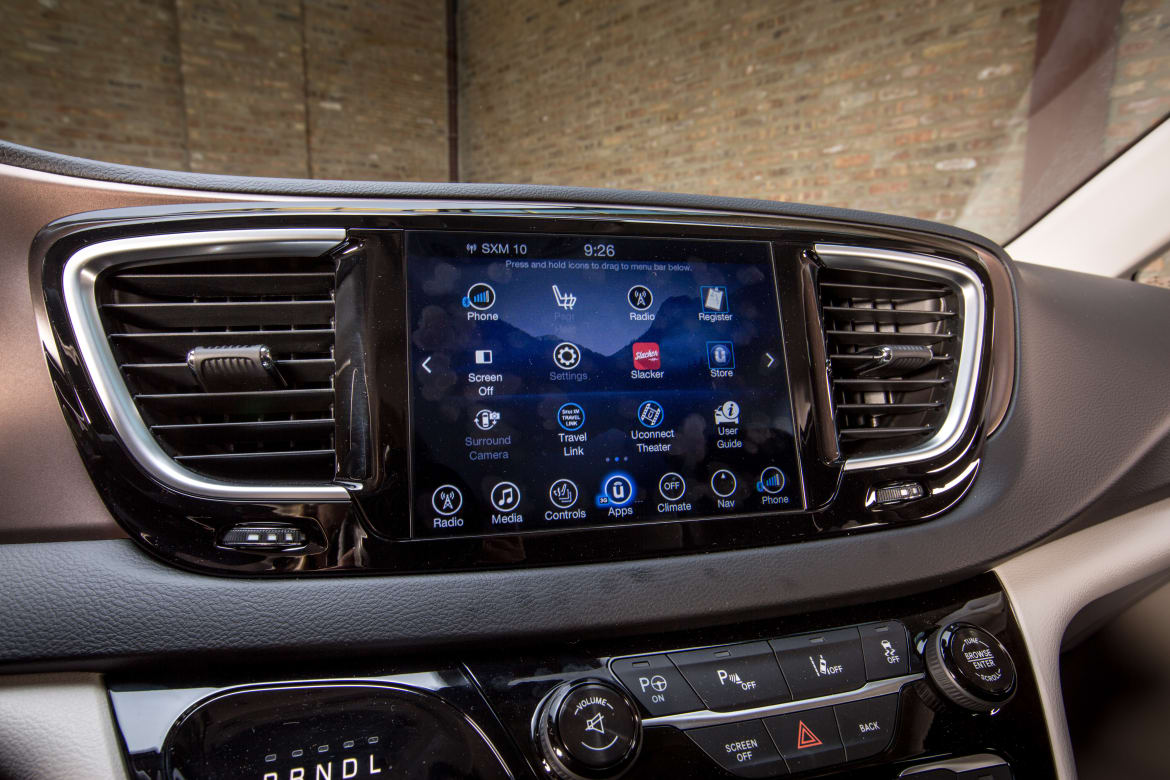 5 Ways the Chrysler Pacifica's Uconnect Makes Life Easier