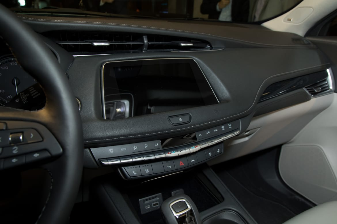 Xt4 Is A Cadillac Brimming With Buttons Finally News