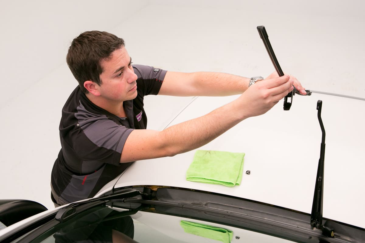 How to Replace Windshield Wiper Blades | News | Cars com