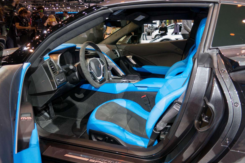 17Chevrolet_Corvette-Grand-Sport_16Geneva_AB_13.jpg