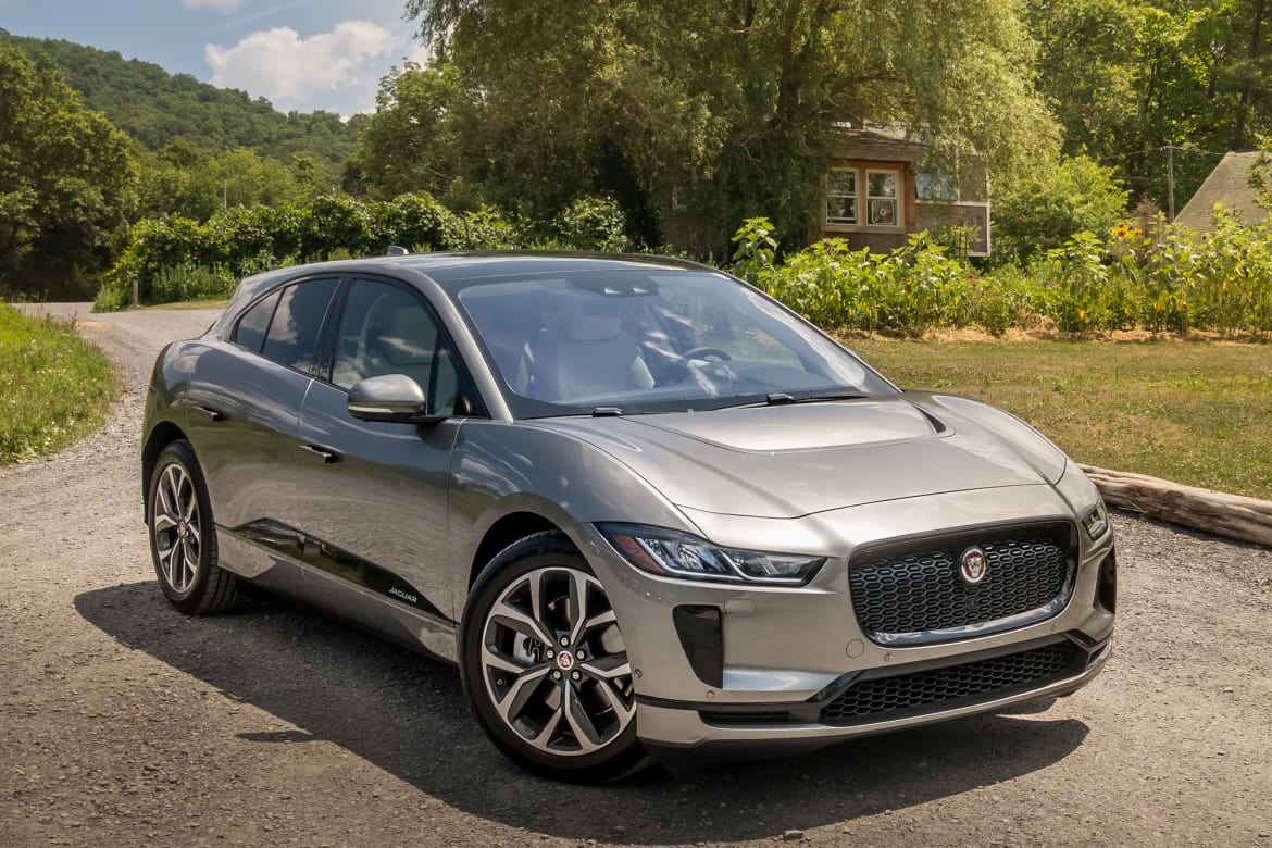 2019 Jaguar I-Pace Keeps Up With Apple CarPlay, Android Auto