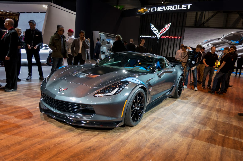 17Chevrolet_Corvette-Grand-Sport_16Geneva_AB_01.jpg