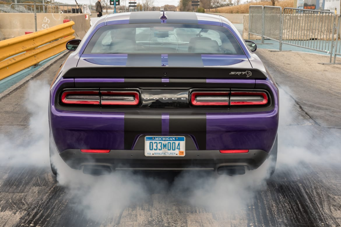 Going for 10s: Drag-Strip Testing the 2019 Dodge Challenger