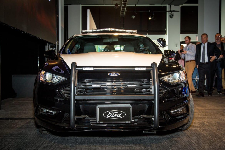 2018 Ford Police Responder Hybrid Sedan Photo Gallery News Cars Com