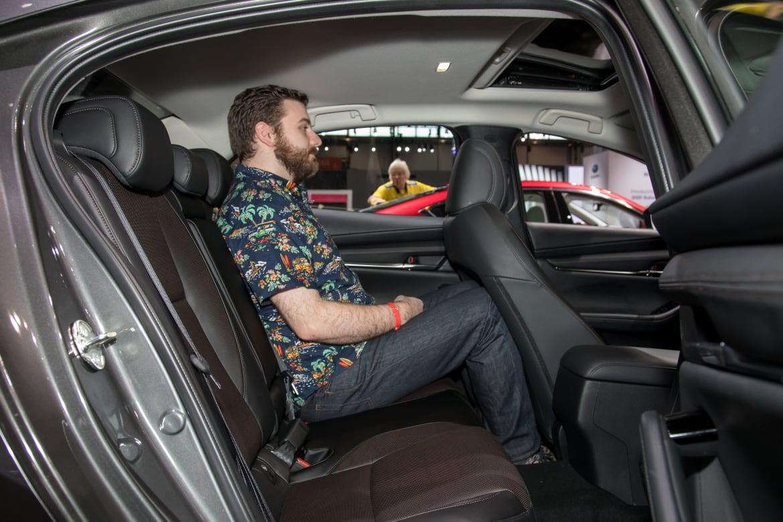 Auto Show Face Off 2019 Honda Civic Sedan Vs 2019 Mazda3 Sedan