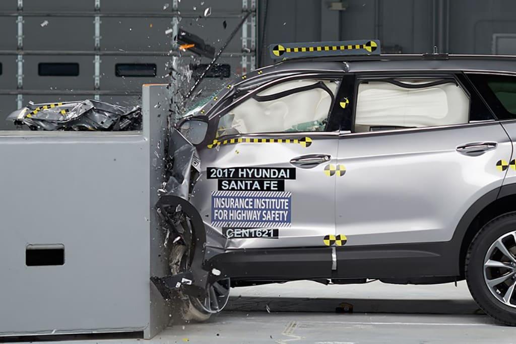 17_Hyundai_Santa_Fe_Top_Safety_Pick_Plus.jpg