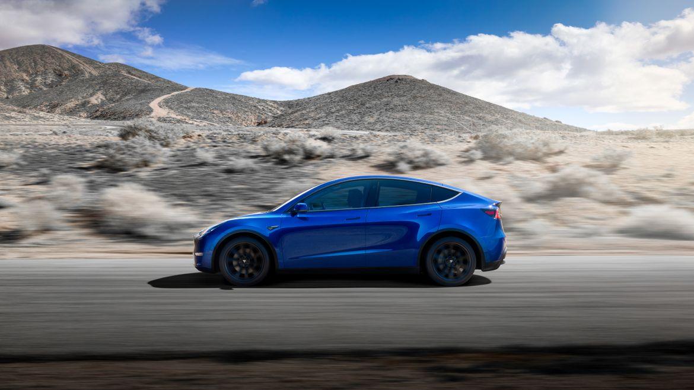 02-tesla-model-y-2020-blue--dynamic--exterior--profile.jpg