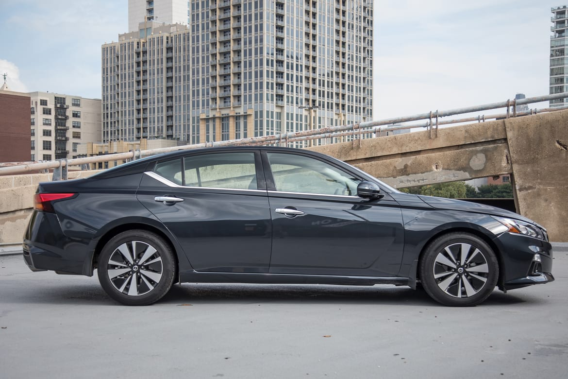 Black Nissan Altima >> Top 5 Reviews And Videos Of The Week 2019 Nissan Altima Holds Its