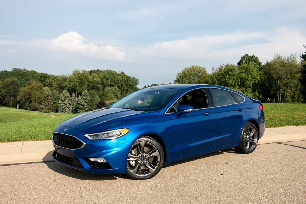 Ford Fusion Sport >> 2017 Ford Fusion V 6 Sport Review First Drive News Cars Com