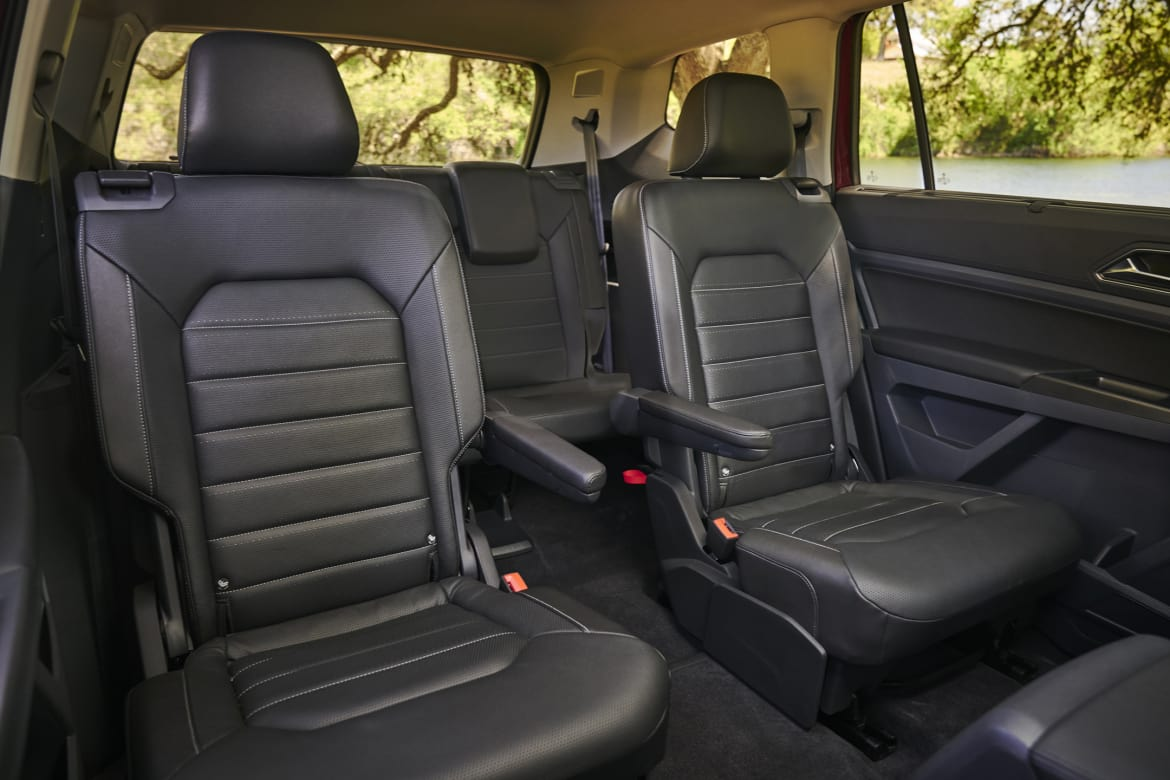 Incredible Which 2018 Three Row Suvs Offer Captains Chairs News Evergreenethics Interior Chair Design Evergreenethicsorg