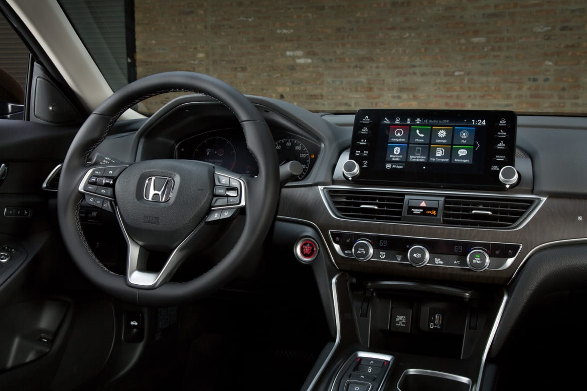 2018 Honda Accord's Multimedia System Gets It Right on the