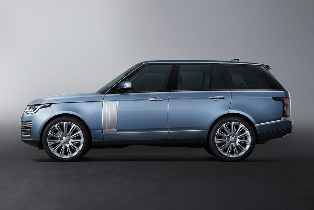 2019 Land Rover Range Rover Sport: PHEV Version, Changes, Price >> 2019 Land Rover Range Rover What S Changed News Cars Com