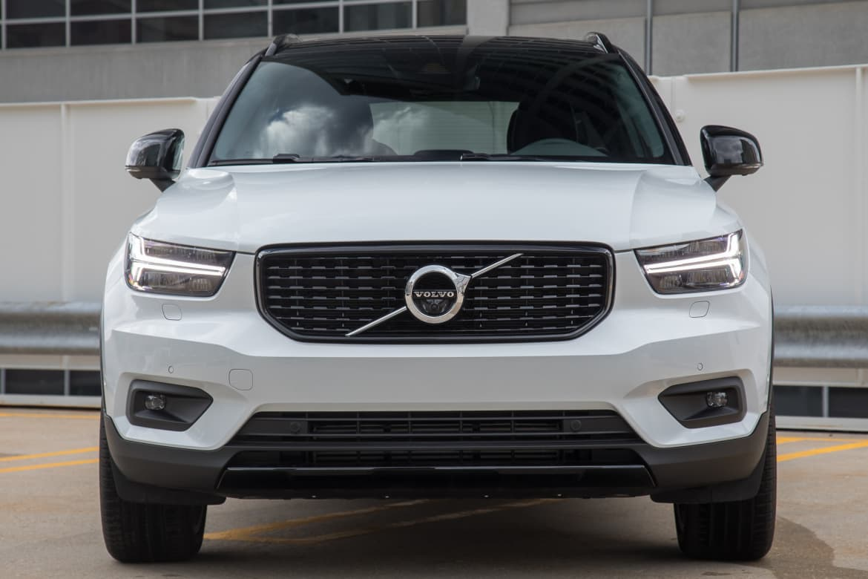 04-volvo-xc40-2019-exterior--front--white.jpg