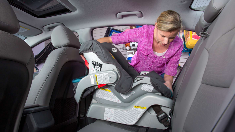 How Do Car Seats Fit in a 2018 Hyundai Elantra? | News