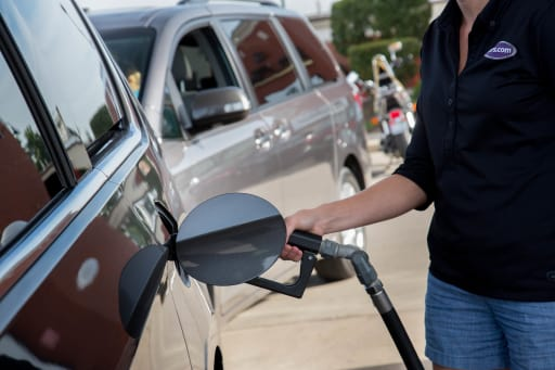 10 Tips Gas Stations Don't Want You to Know | News | Cars com