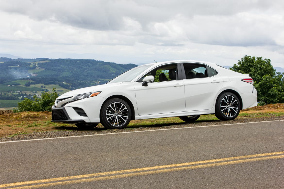 Camry Le Vs Se >> Which 2018 Toyota Camry Trim Should I Buy L Le Se Xse Or