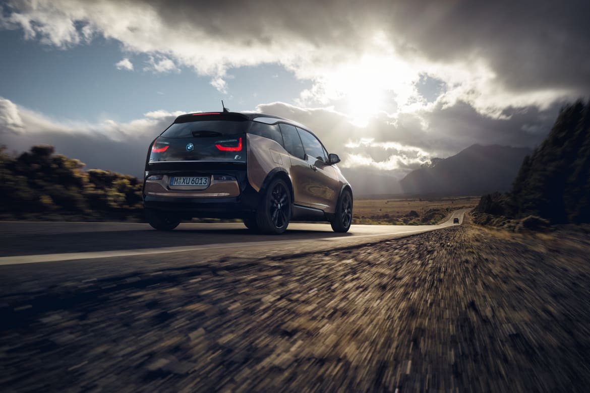 2019 Bmw I3 Gets Bigger Battery More Driving Range News Cars Com