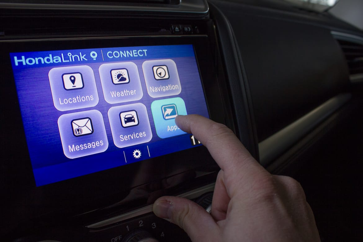 2015 Honda Fit Apps Remind Us Why Apple CarPlay, Android Auto Rock