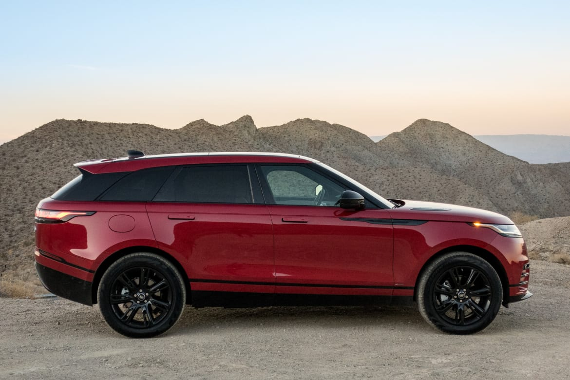 Range Rover Lifted >> 2018 Land Rover Range Rover Velar Review First Drive News Cars Com