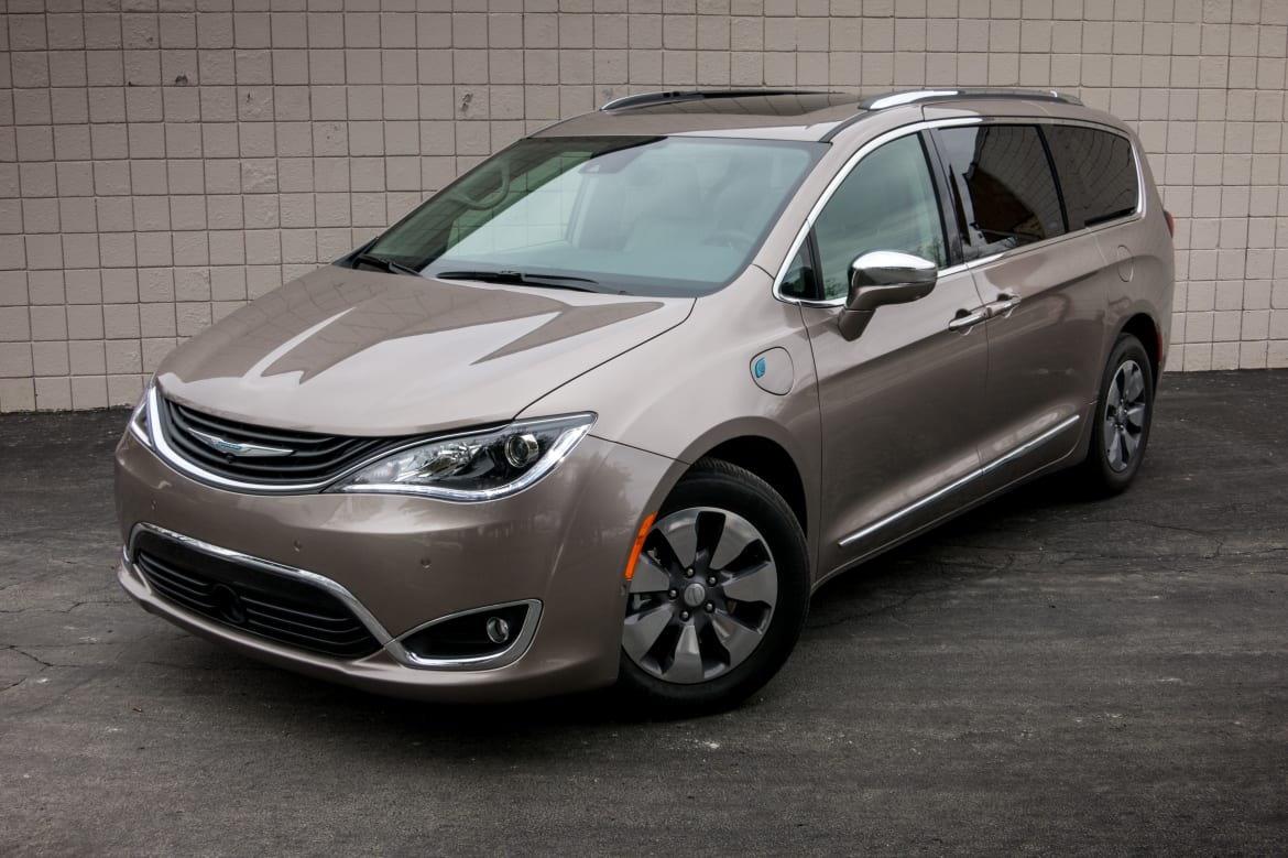 2017 Chrysler Pacifica Hybrid: Our View