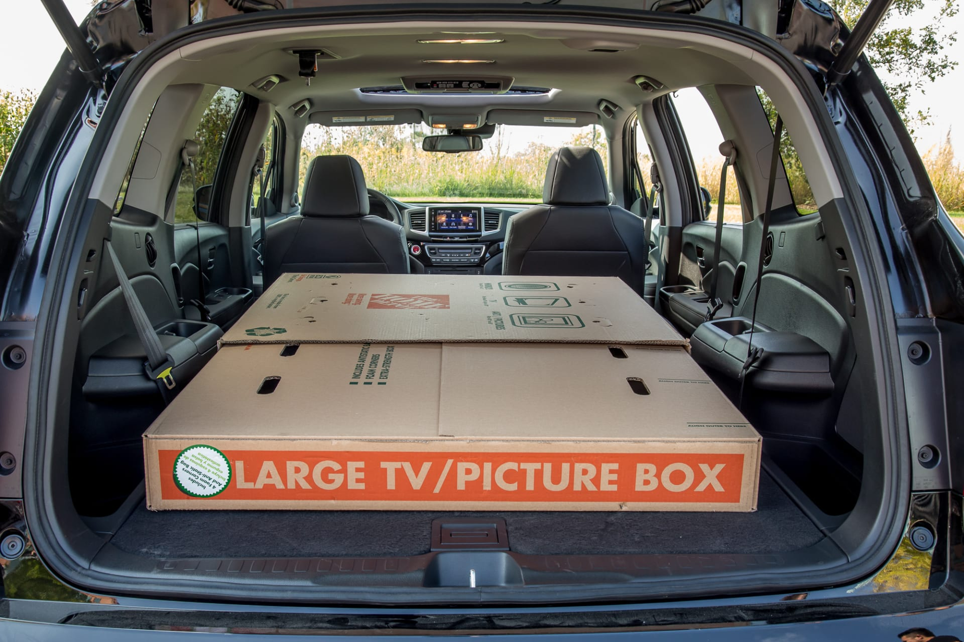 Toyota Highlander Cargo Space >> Which 3 Row Suv Has The Most Usable Cargo Space News Cars Com