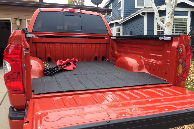 Truck_vs_SUV_02_SL.jpg