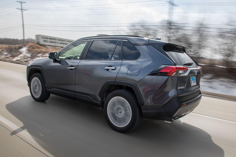 02-toyota-rav4-2019-angle--dynamic--exterior--grey--rear.jpg