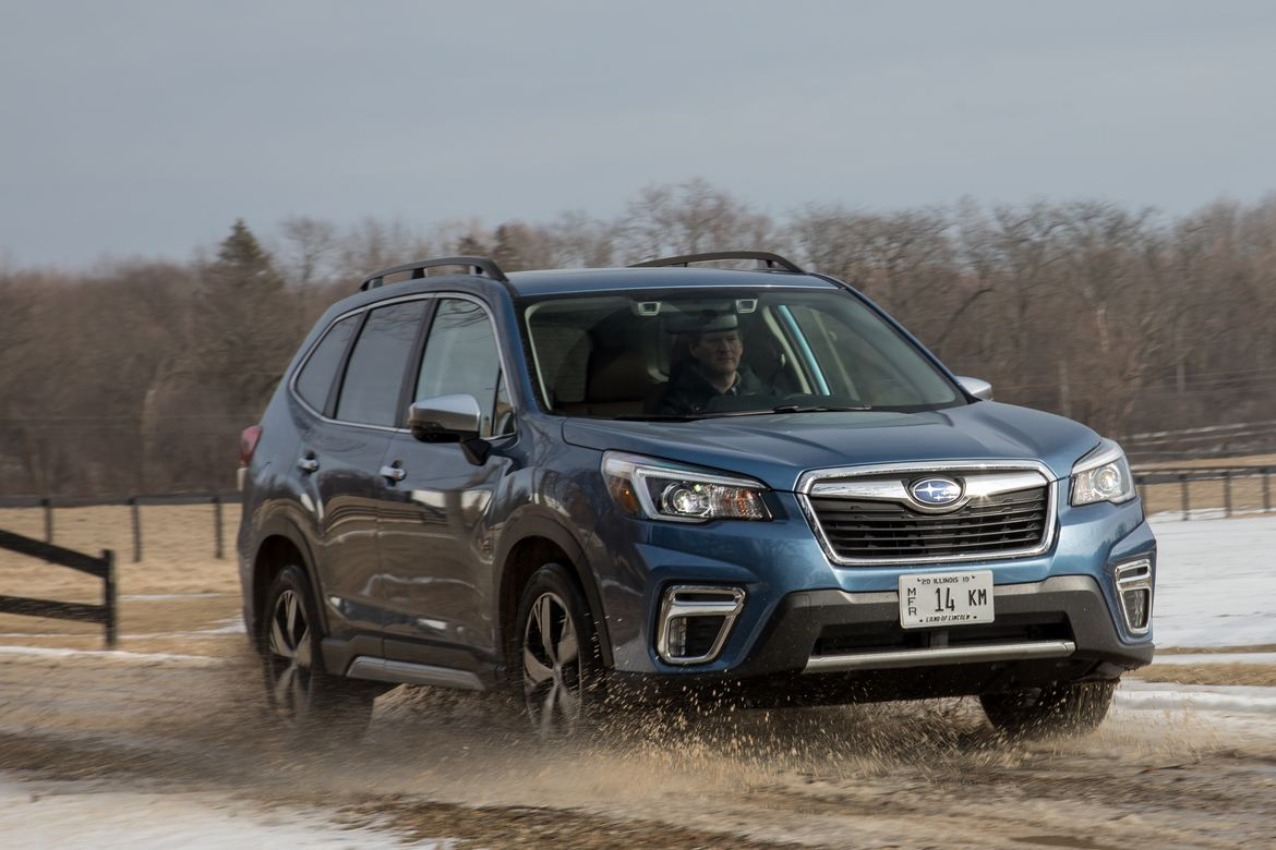 03-subaru-forester-2019-angle--blue--dynamic--engine--front--off