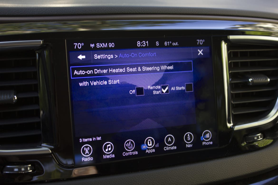Uconnect Access App >> 5 Ways The Chrysler Pacifica S Uconnect Makes Life Easier