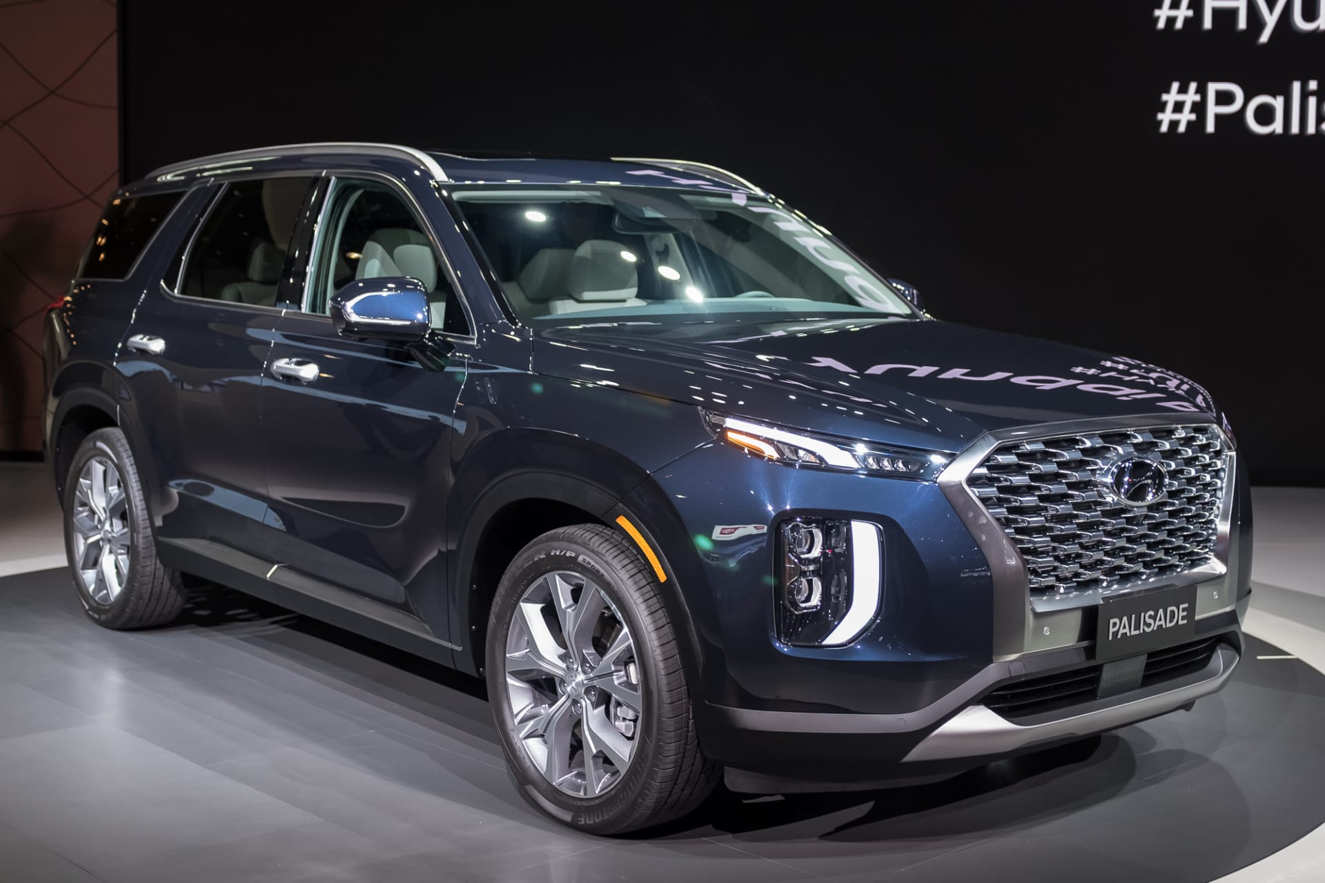 Suv With Third Row >> 2020 Hyundai Palisade A Hyundai Suv With A Real Third Row