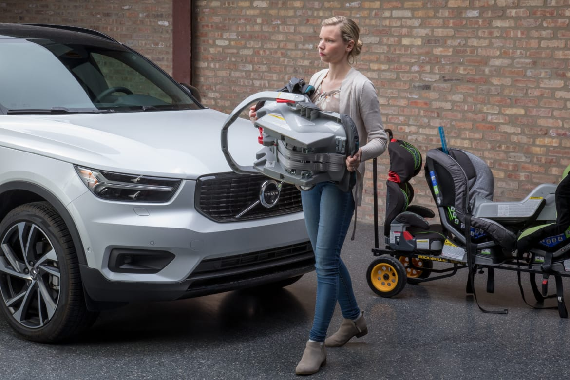 How Do Car Seats Fit In A 2019 Volvo Xc40 News Cars Com