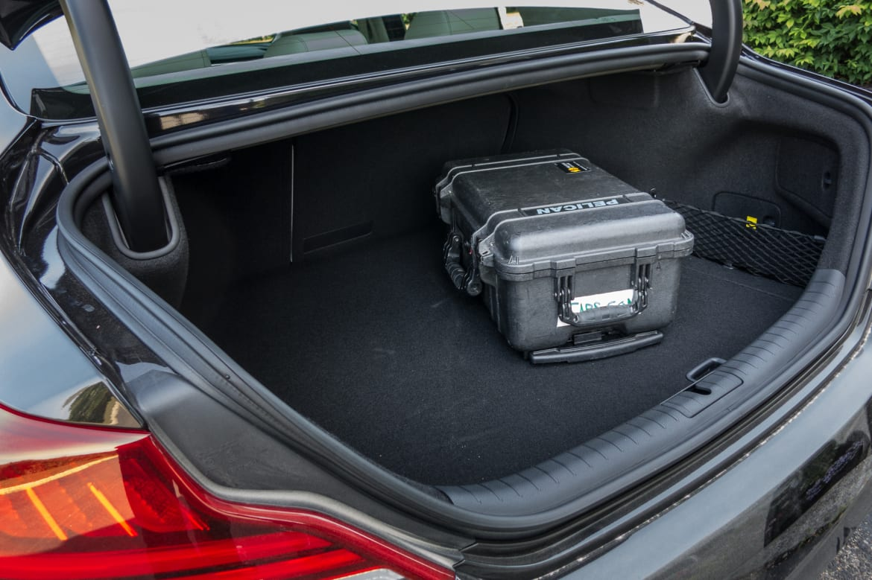 18-genesis-g70-2019-interior--trunk.jpg