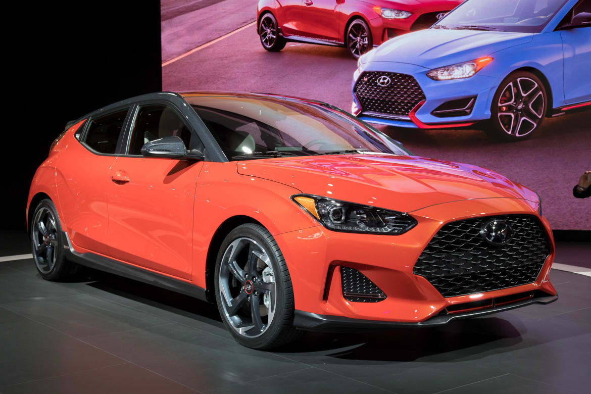 Hyundai Veloster Remains Small Sporty And Strange